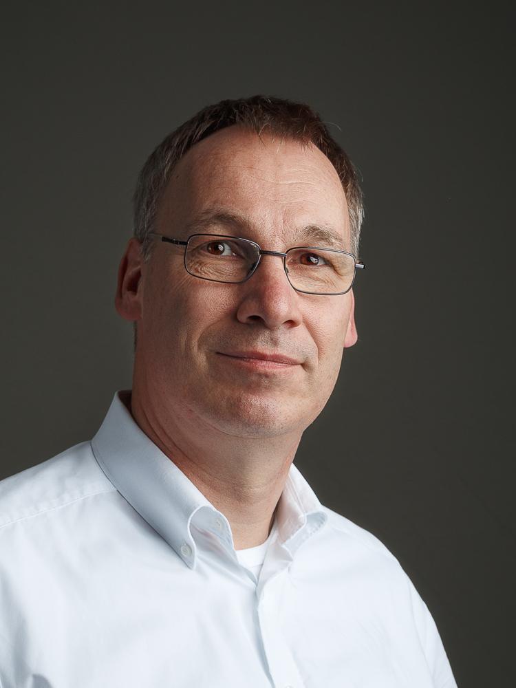 Dr. Bernd Hundehege